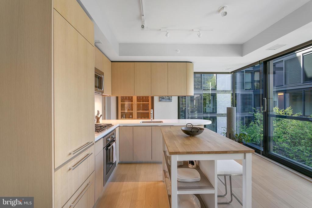 Kitchen With Island - 925 H ST NW #516, WASHINGTON