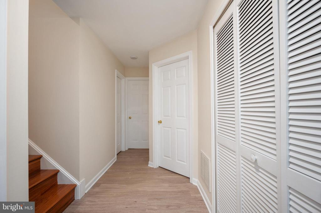 Lower level utility, laundry and storage/den view. - 4 CATHERINE LN, STAFFORD