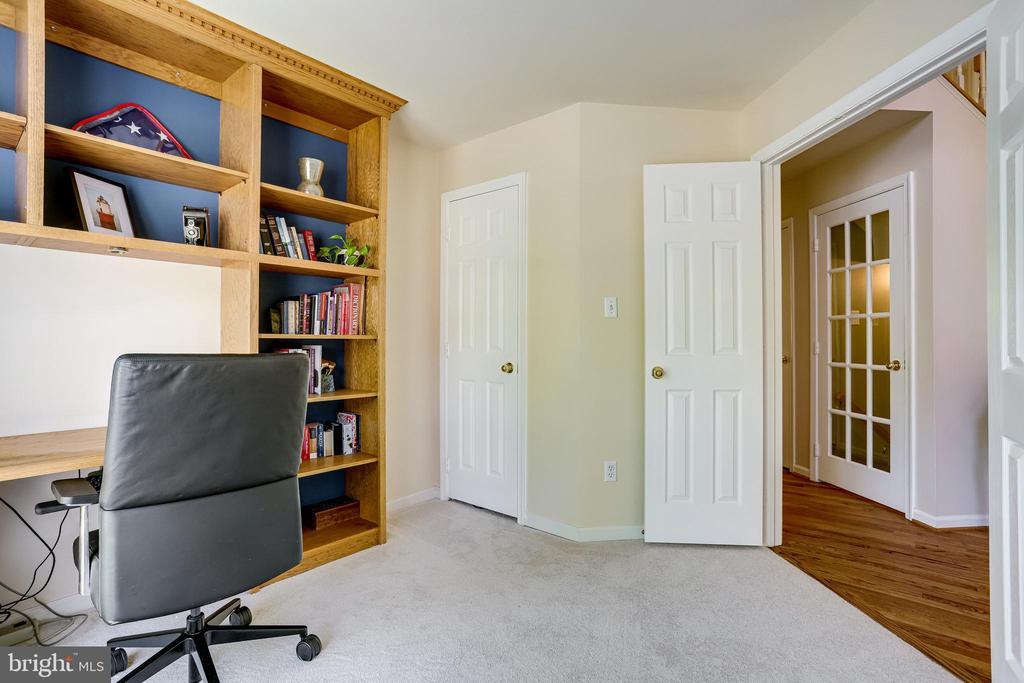 First Floor Office - 20631 BRIDGEPORT CT, STERLING