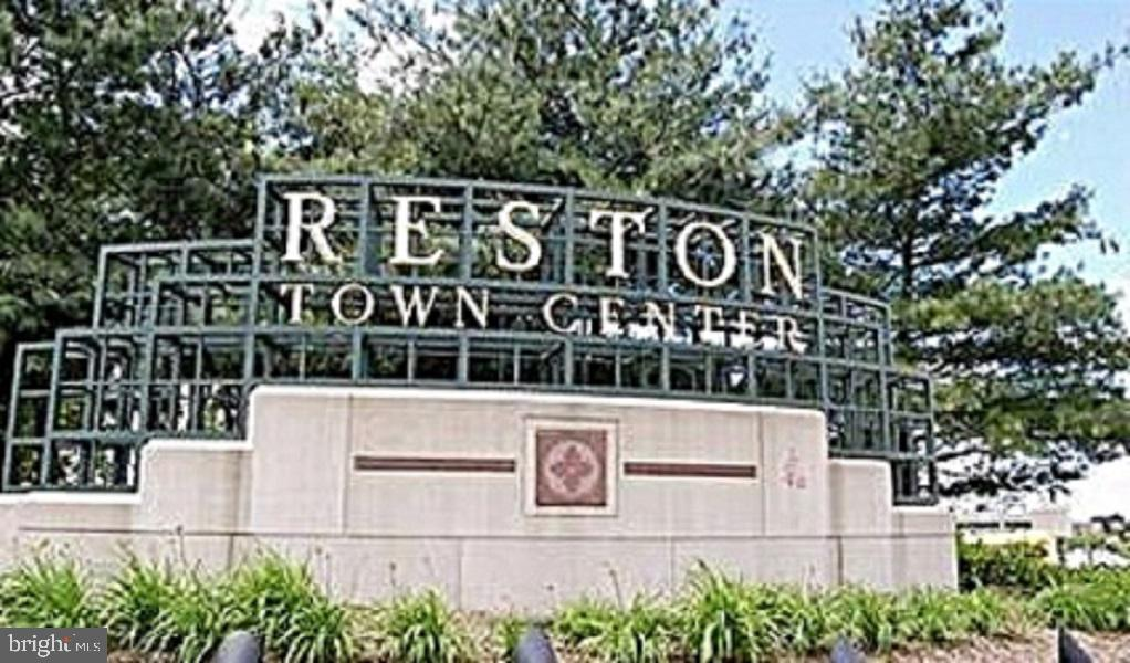 Short drive to Reston Town Center - 12520 BROWNS FERRY RD, HERNDON
