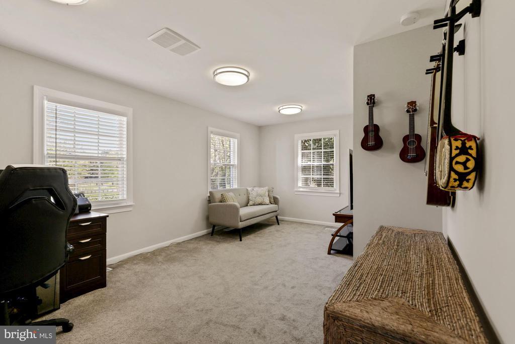 Office 2, Living Area, Bonus Space - 7608 MANOR HOUSE DR, FAIRFAX STATION