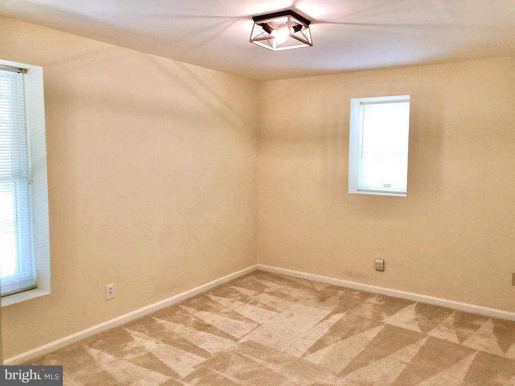 Basement Bedroom - 222 BIRDIE RD, LOCUST GROVE