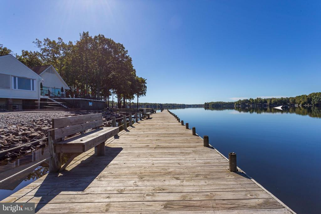 Come by land or Boat! - 222 BIRDIE RD, LOCUST GROVE