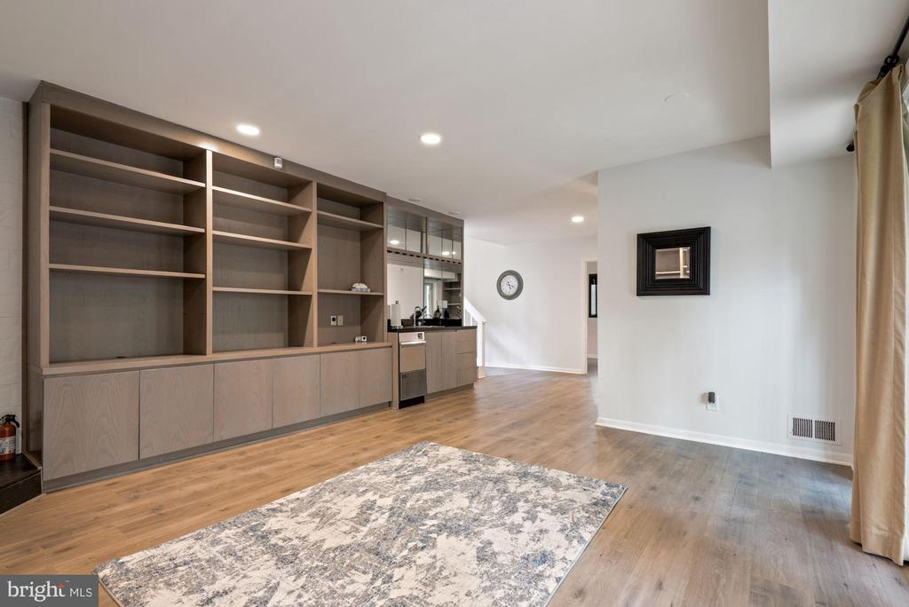 Large basement with built in all around - 2108 OWLS COVE LN, RESTON