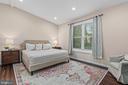 Spacious main level bedroom! - 304 BERRY ST SE, VIENNA