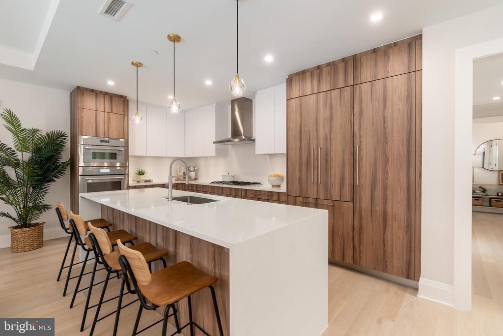 Seamless kitchen design - 16 BAKERS WALK #104, ALEXANDRIA