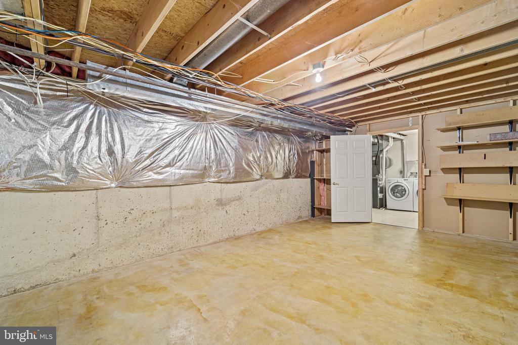 Lower level storage room view 2 - 8104 CREEKVIEW DR, SPRINGFIELD