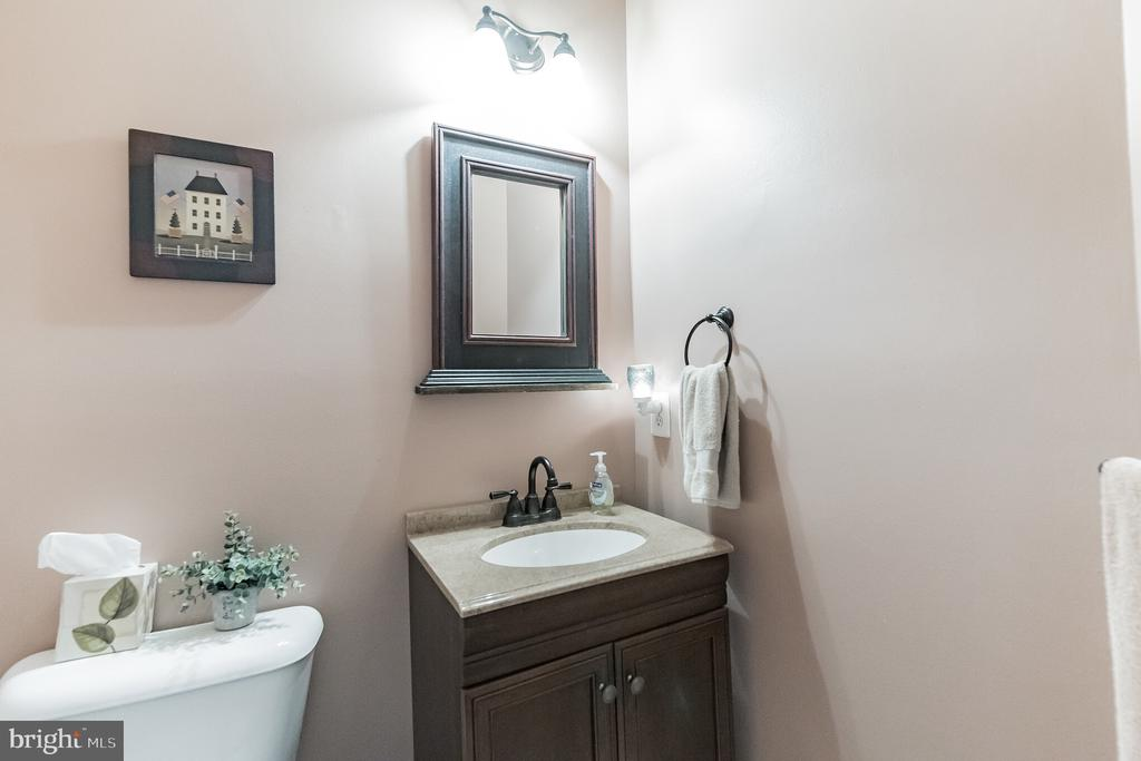Half bath - 43017 EUSTIS ST, CHANTILLY