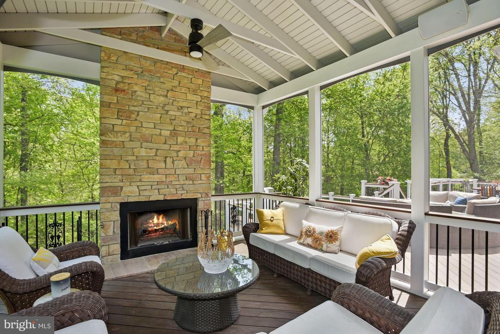 Fireplace - 3701 MAPLE HILL RD, FAIRFAX