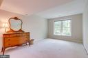 Large windows in bed 4 overlooks backyard - 19 GRISWOLD CT, POTOMAC FALLS