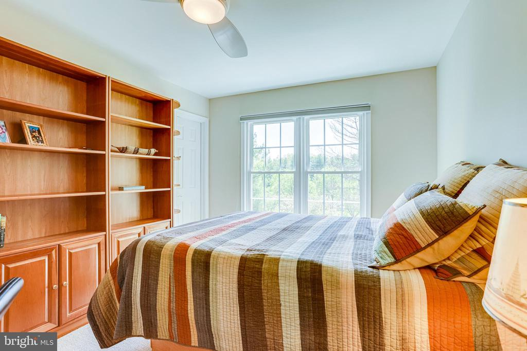 Great views from this bedroom - 19 GRISWOLD CT, POTOMAC FALLS