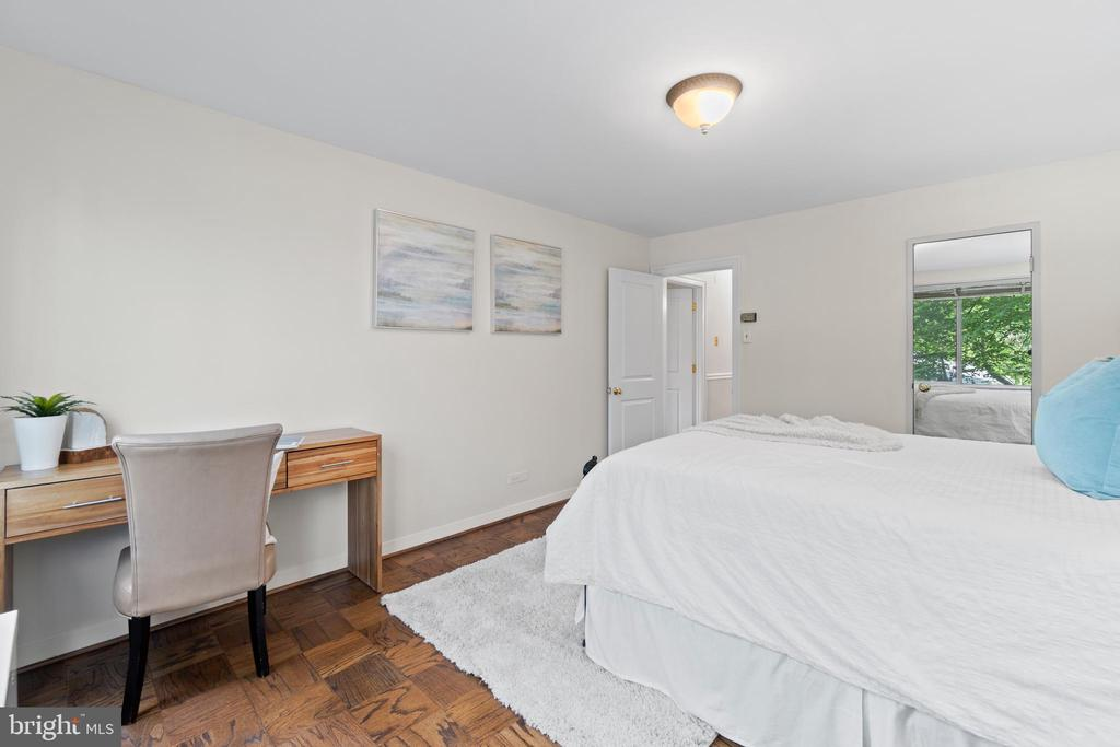 Second Bedroom with Walk-in Closet - 1200 N NASH ST #240, ARLINGTON
