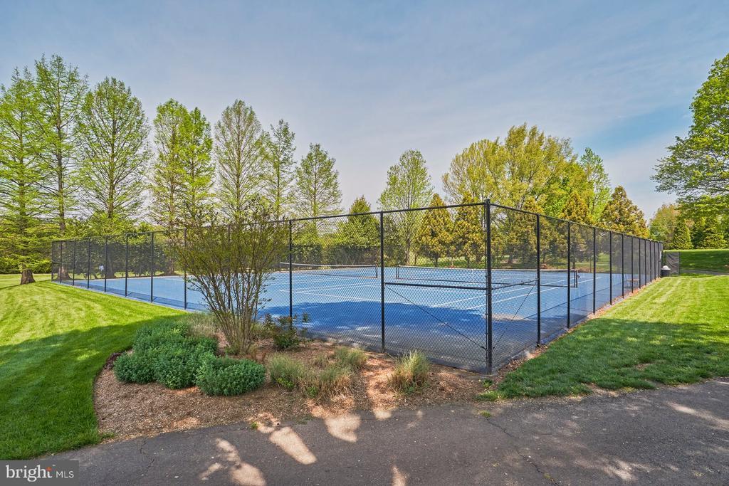Community Tennis Courts - 1269 COBBLE POND WAY, VIENNA