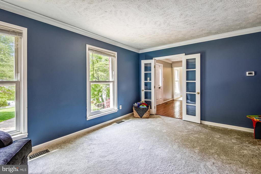 Beautiful front room with french doors - 15034 HOLLEYSIDE DR, DUMFRIES