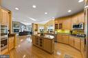 Kitchen - 11618 CEDAR CHASE RD, HERNDON