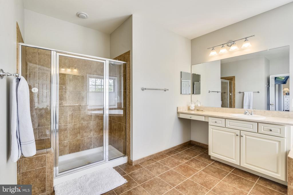 Primary Bathroom - 18349 MID OCEAN PL, LEESBURG