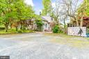 Driveway with Plenty of Parking! - 19315 LIBERTY MILL RD, GERMANTOWN