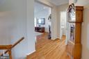 Wide hallways make the home flow seamlessly - 42624 LEGACY PARK DR, BRAMBLETON