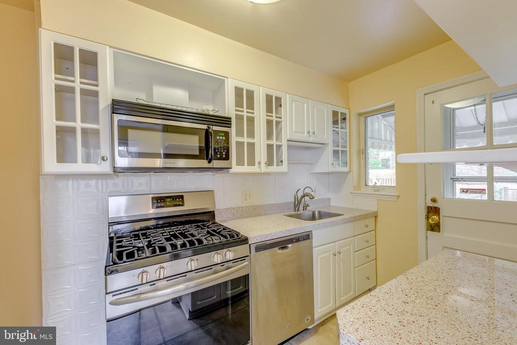 Renovated Kitchen - 3206 13TH RD S, ARLINGTON