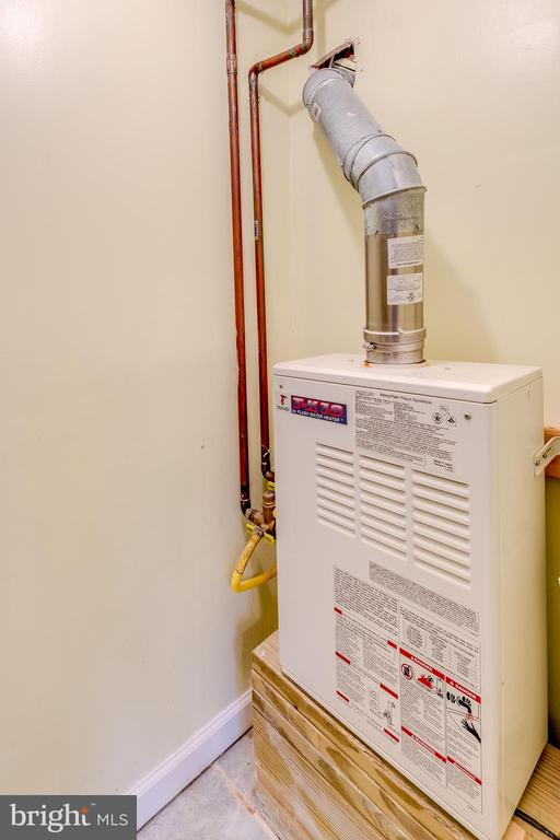 Tankless Water Heater - 3206 13TH RD S, ARLINGTON
