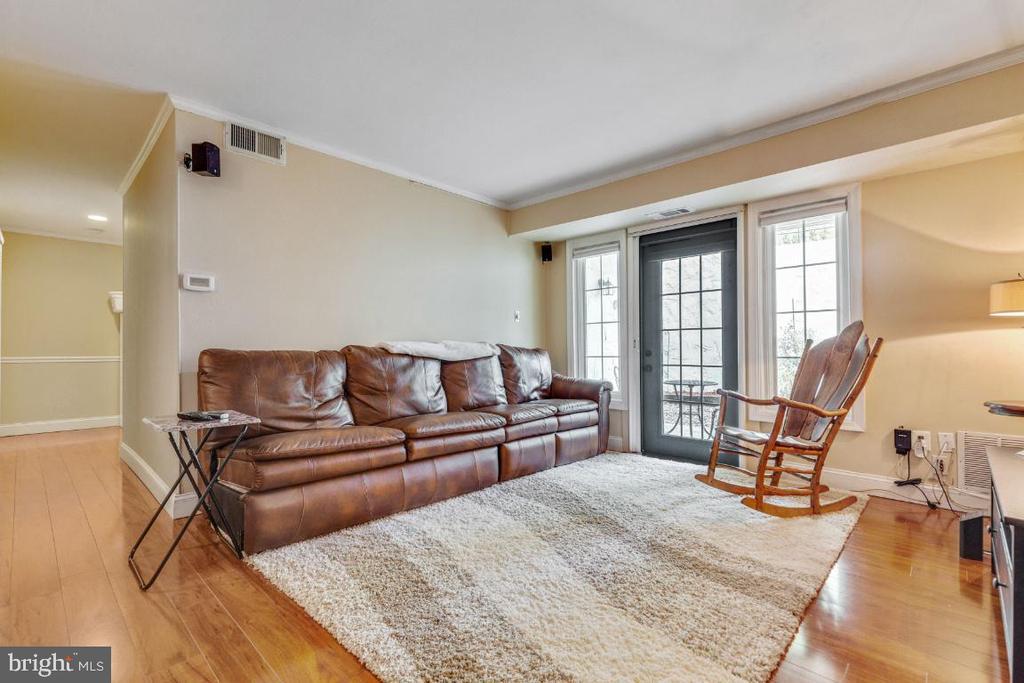 Living Room - 5801-J REXFORD DR #807, SPRINGFIELD