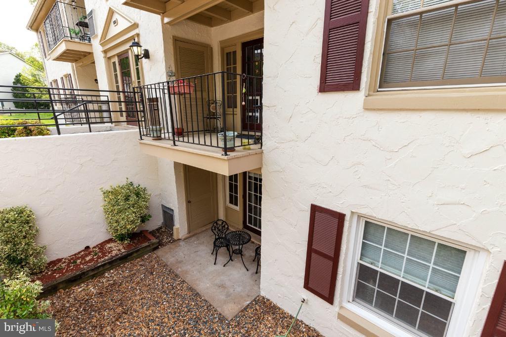 Private patio - 5801-J REXFORD DR #807, SPRINGFIELD