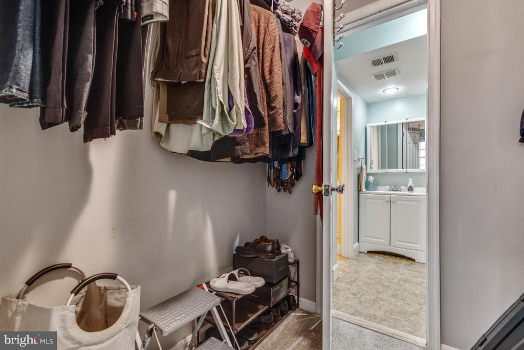 Large walk in closet off primary bedroom - 5801-J REXFORD DR #807, SPRINGFIELD