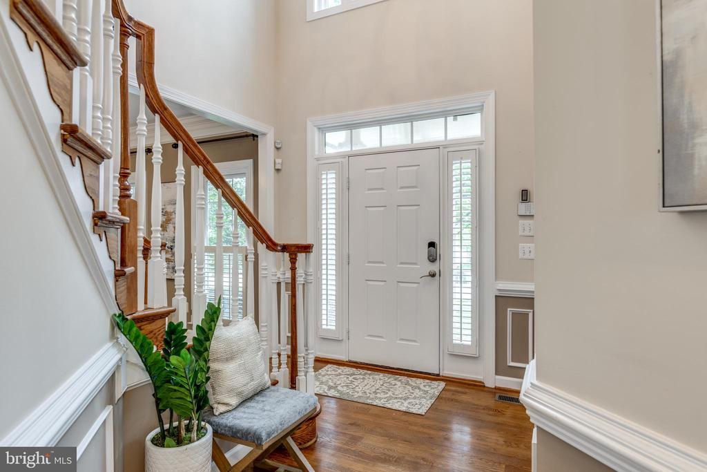2 story Foyer - 47788 SAULTY DR, STERLING