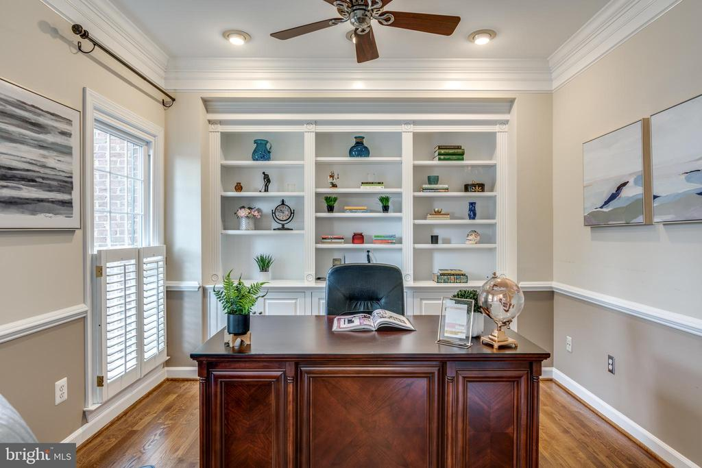 Private Office/Den with French Doors - 47788 SAULTY DR, STERLING
