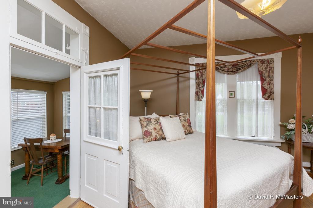 Bedroom opens to sun room - 417 E WASHINGTON ST, CHARLES TOWN