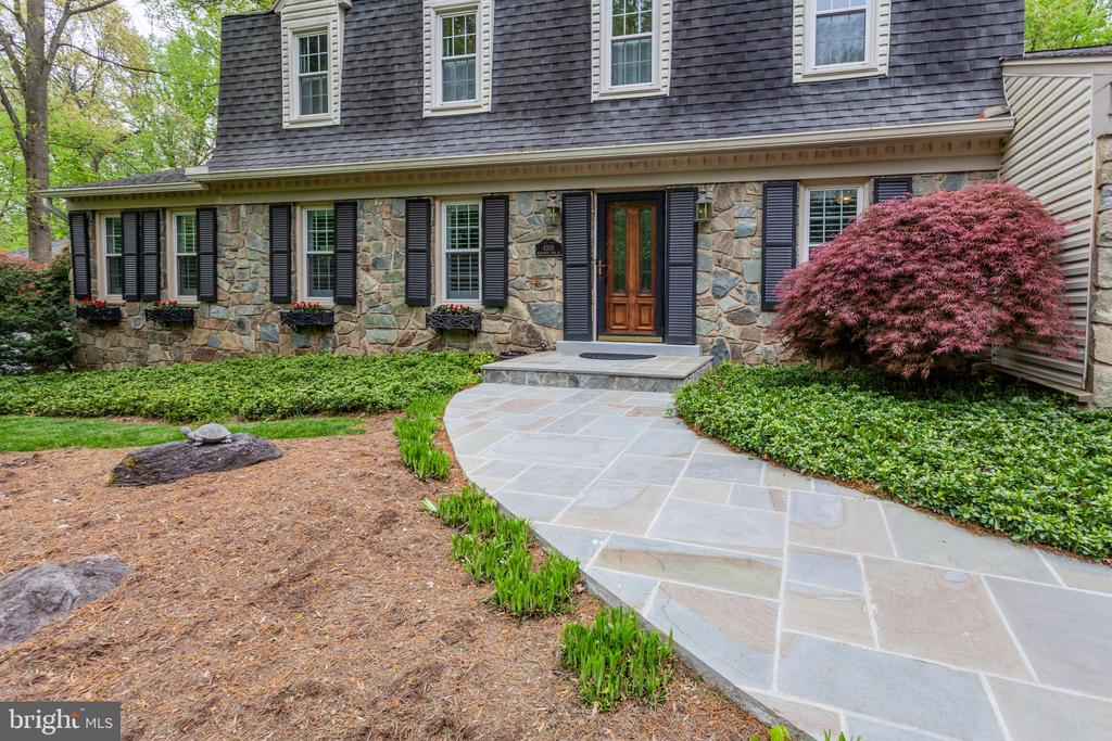 Brand New PA Bluestone Slate Walkway - 6305 BLACKBURN FORD DR, FAIRFAX STATION