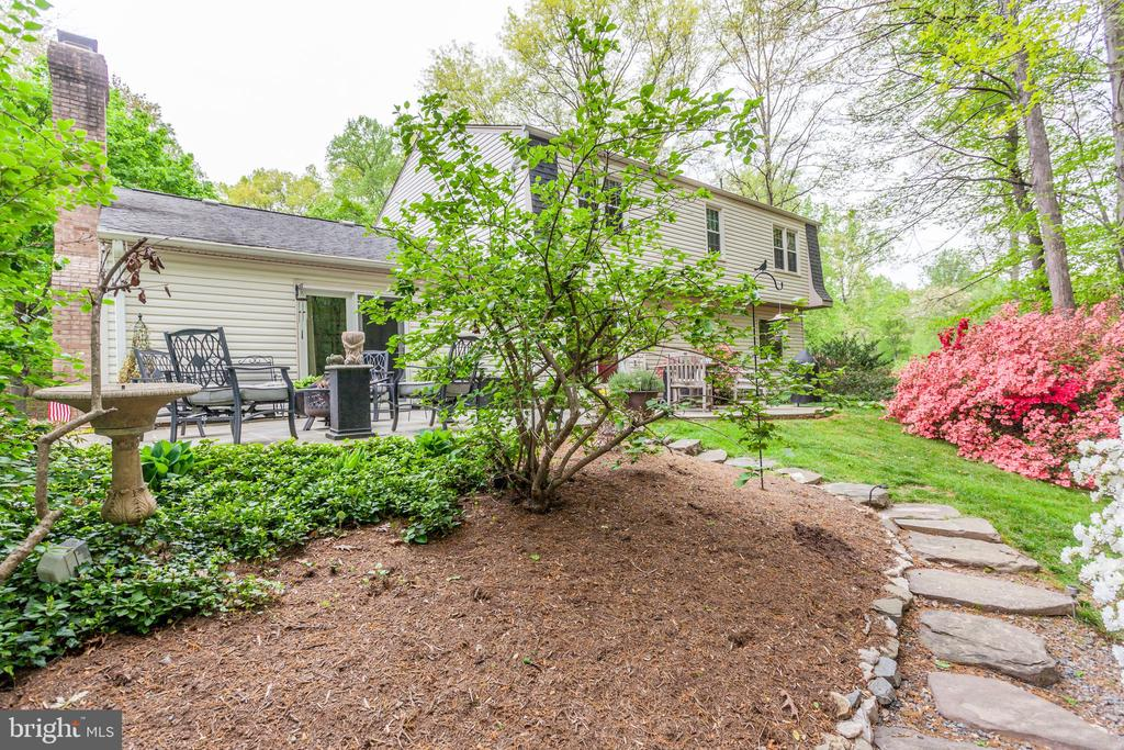 Backyard Oasis - 6305 BLACKBURN FORD DR, FAIRFAX STATION