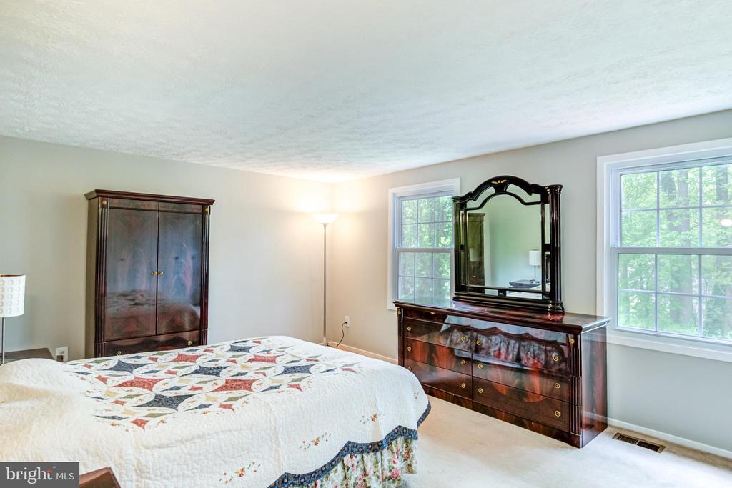 3rd Bed Room - 5744 HEMING AVE, SPRINGFIELD