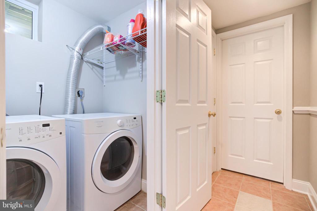 Laundry - 5744 HEMING AVE, SPRINGFIELD