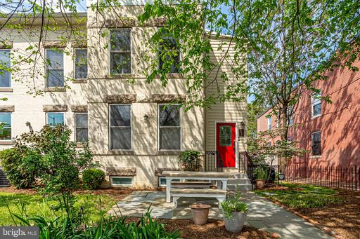 301 R ST NW #2