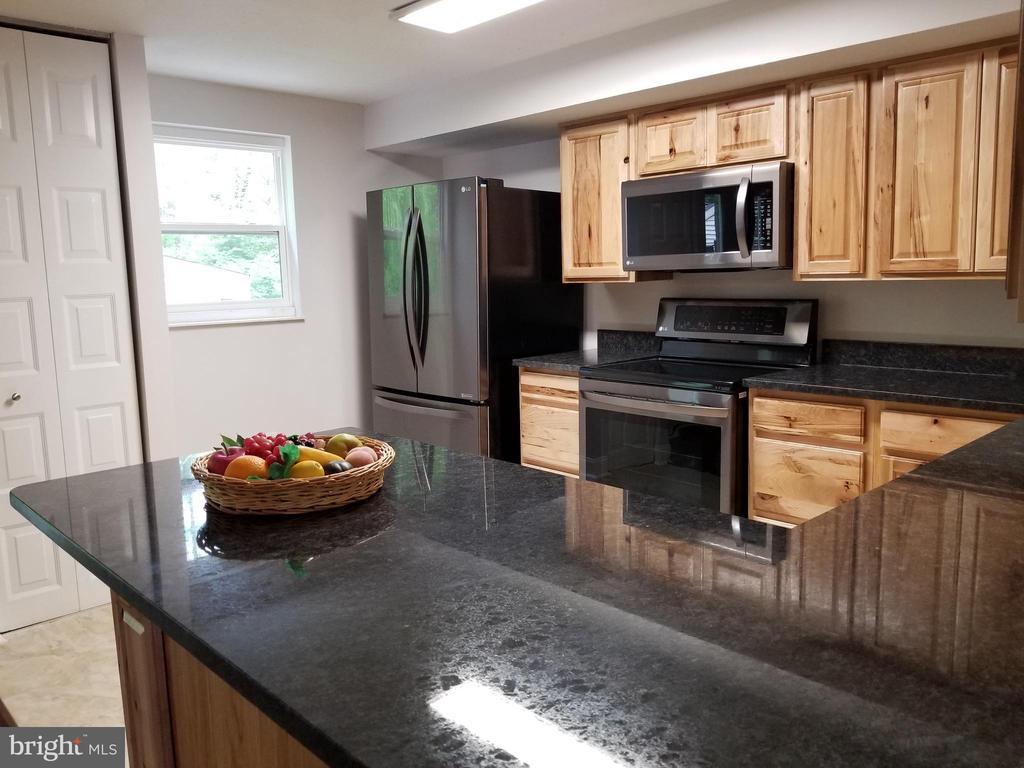 Kitchen 3 - 5832 CANVASBACK RD, BURKE