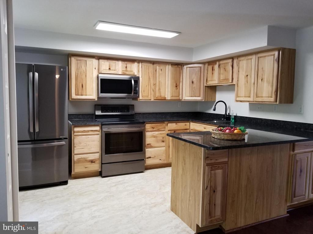 Kitchen 1 - 5832 CANVASBACK RD, BURKE