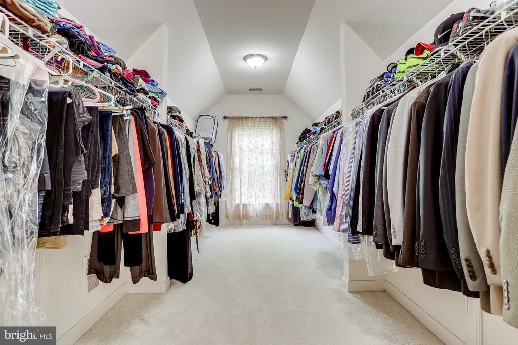 Master Closet! - 22339 DOLOMITE HILLS DR, ASHBURN