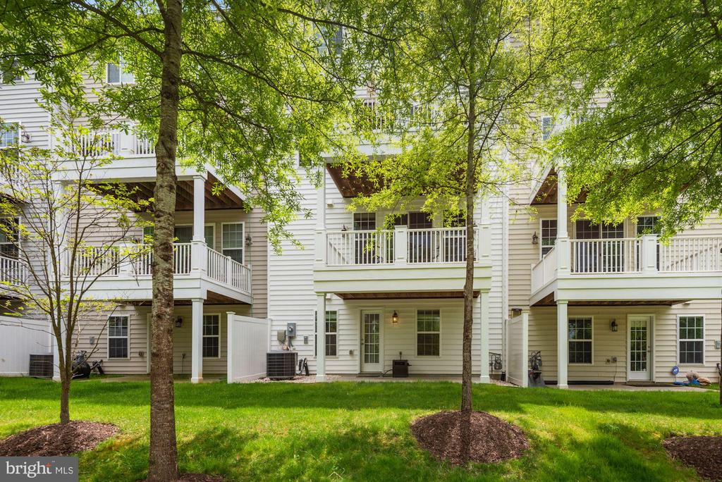 - 20231 CENTER BROOK SQ, STERLING
