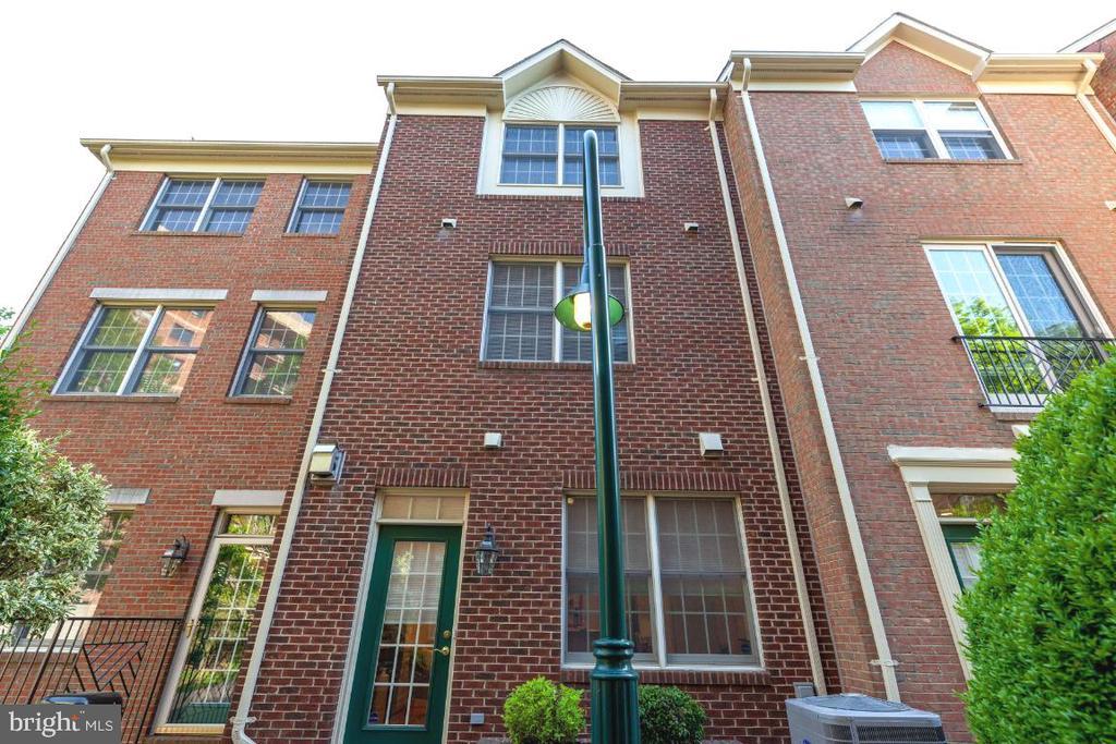 Rear of house. Note the all-brick construction - 2621 FAIRFAX DR, ARLINGTON