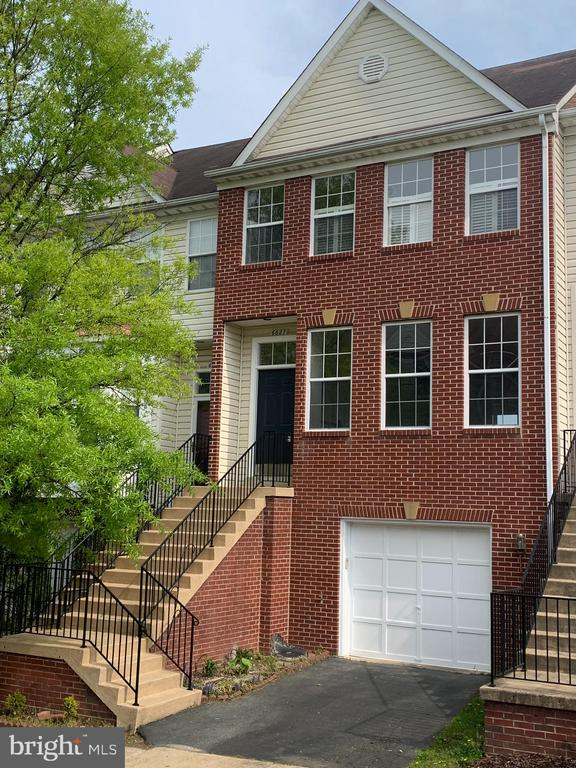 Lovely Brick Front colonial Townhome - 6627 PATENT PARISH LN, ALEXANDRIA