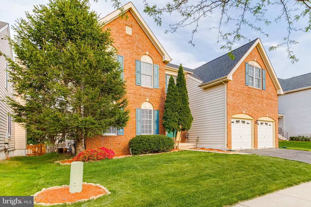 Brick Front - 25466 GIMBEL DR, CHANTILLY