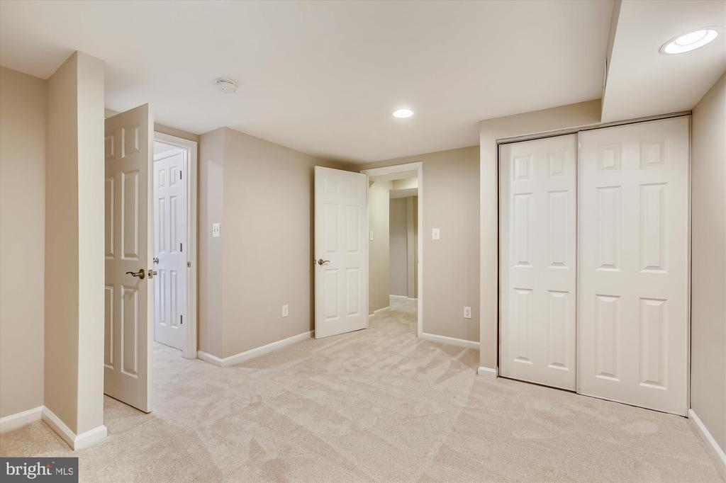 Bedroom 5 - 826 POTOMAC RIDGE CT, STERLING