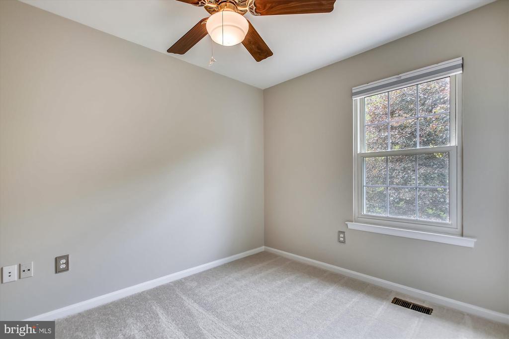 Bedroom 3 - 826 POTOMAC RIDGE CT, STERLING