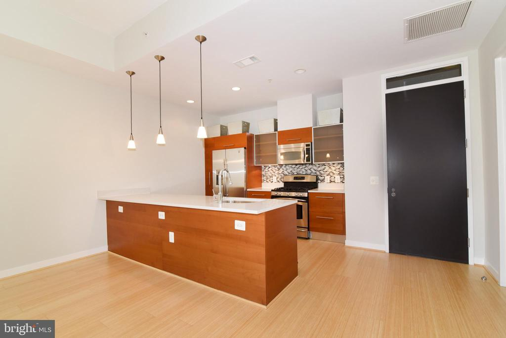 Bamboo floors - 12025 NEW DOMINION PKWY #311, RESTON