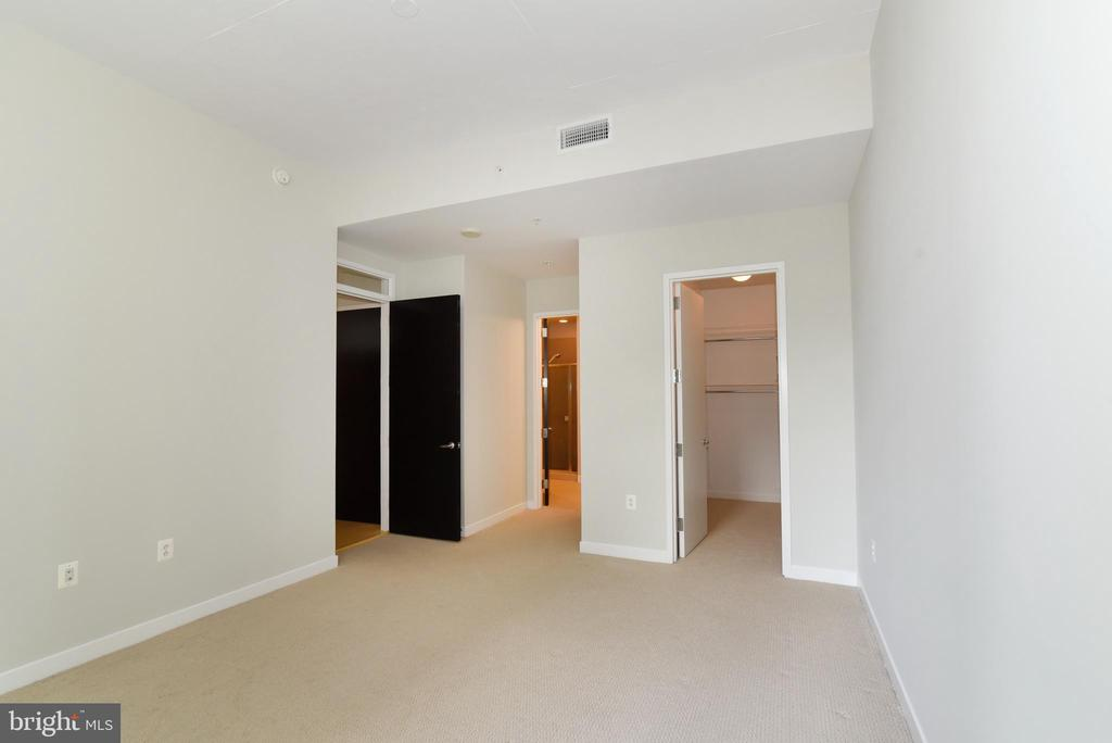 Large walk-in closet and attached bathroom - 12025 NEW DOMINION PKWY #311, RESTON