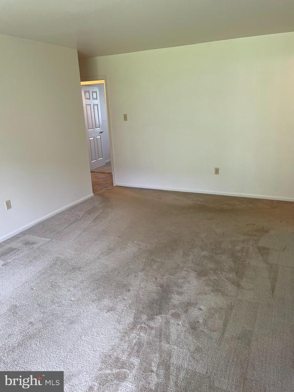 living room - 1006 BRINKER DR #102, HAGERSTOWN