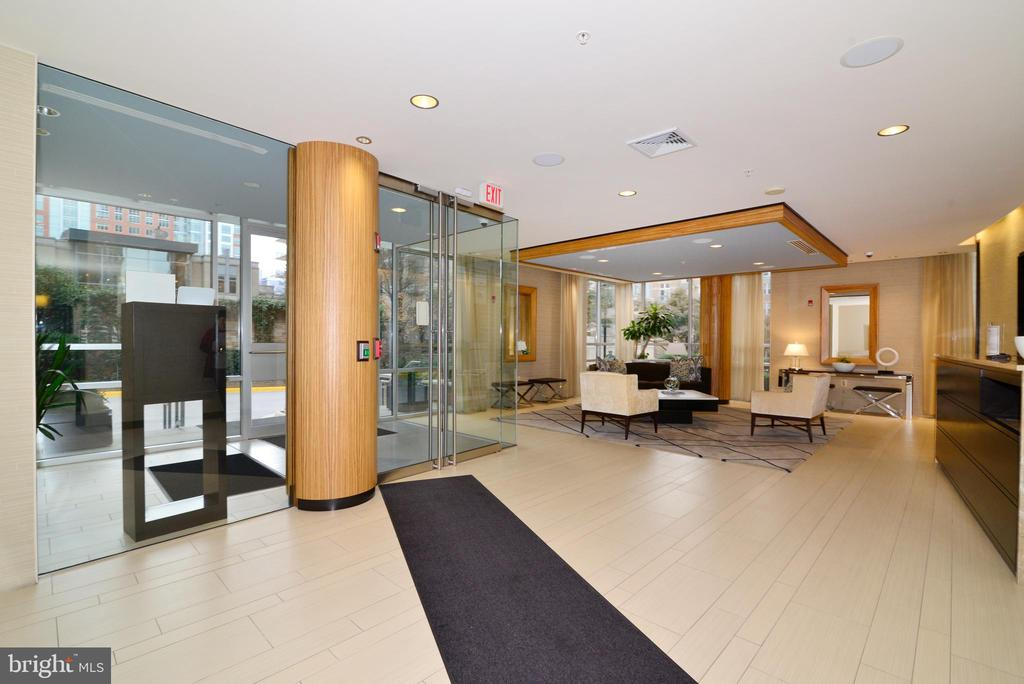 Concierge to let your guests in - 12025 NEW DOMINION PKWY #311, RESTON