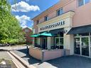 Relax with coffee only 1/2 block away - 2621 FAIRFAX DR, ARLINGTON