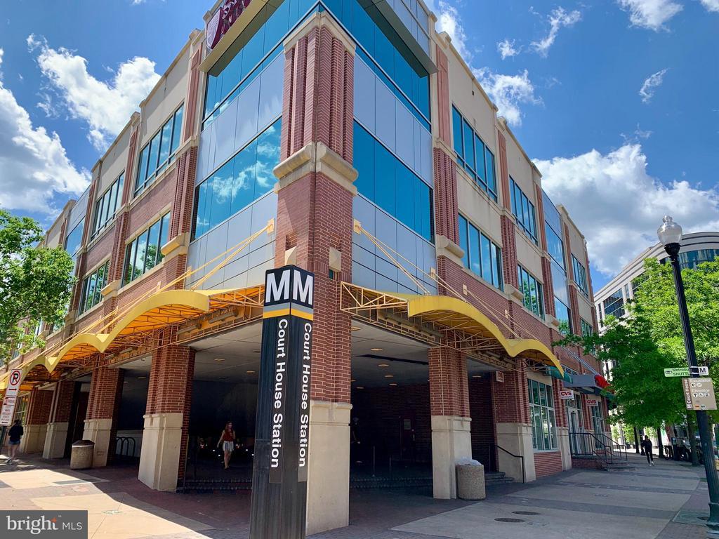Also convenient to Courthouse Metro, you choose ! - 2621 FAIRFAX DR, ARLINGTON